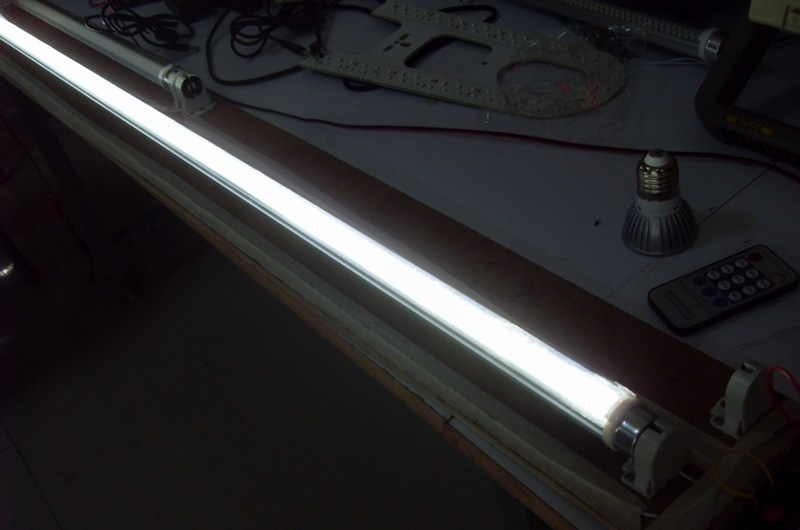 led-light-tube-2